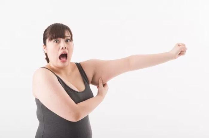 二の腕が痩せる即効マッサージにチャレンジ!