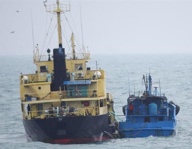 瀬取りの意味が分からない!北朝鮮の船の瀬取りとは?