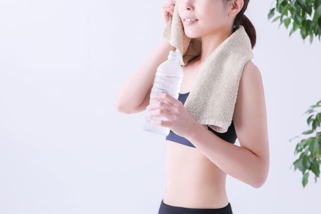 汗をかきすぎる女の原因とは?今すぐできる対策を紹介!