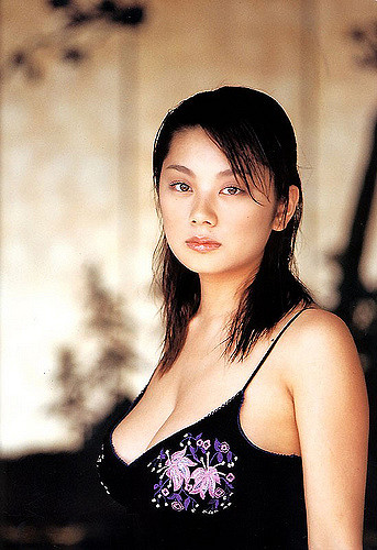 小池栄子さんの離婚歴を探ってみ...